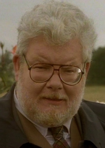 Richard Griffiths as The Eighth Doctor in If Doctor Who Wasn't Axed In 1989