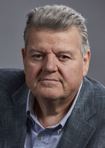 Robbie Coltrane as Ispector Bloch in Dylan Dog