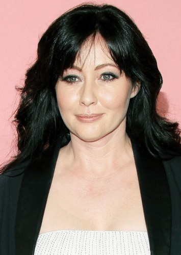 Shannen Doherty as Lisa Williams in Death is My BFF