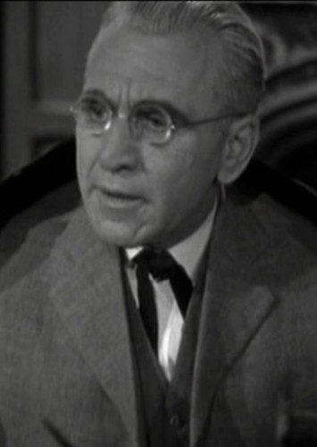 Edward Van Sloan in Karloff