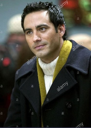Fan Casting Thomas Doherty as Enrique